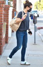 Jennifer Garner Dresses casual as she heads out to run errands with a friend in Brentwood