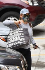 Jennifer Garner Out in the Pacific Palisades