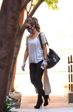 Kate Beckinsale Leaving a Medical Building in Los Angeles