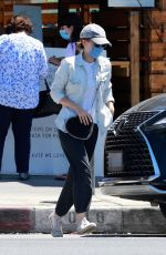 Kate Mara Seen making a stop to pick up a take out order from a local Los Feliz hot spot