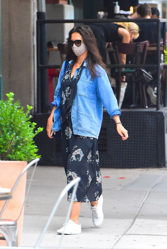 Katie Holmes Seen out for dinner in Manhattan
