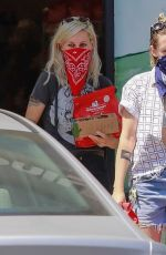 Kristen Stewart Leaves Pet Supplies in Los Feliz