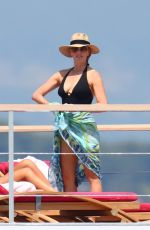 Laurene Powell At her mega yacht Venus with her daughter Eve and some friends in Cannes