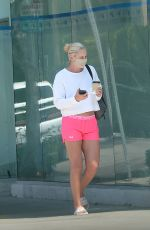 Lindsey Vonn Outside a salon in Los Angeles