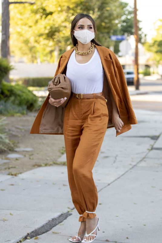 Olivia Culpo Looks flawless in a Linen suit during an outing Los Angeles