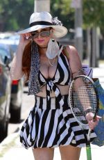 Phoebe Price Shows off her stretching skills in Los Angeles