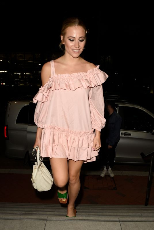 Pixie Lott Back at her hotel in Manchester