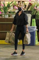 Rosie Huntinghton-Whiteley Picking up some groceries in Los Angeles