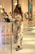 Sarah Jessica Parker Takes care of the costumers at her NYC Flagship Store, New York