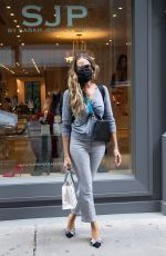 Sarah Jessica Parker Visits SJP Collection Midtown Shoe Store in Midtown, New York