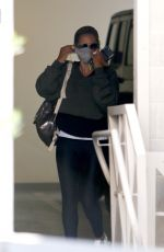 Sarah Michelle Gellar Arriving for a private workout session in Brentwood