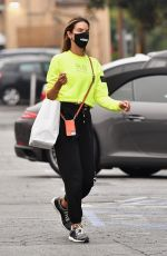 Alessandra Ambrosio Hits the Country Mart in Brentwood