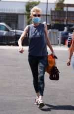 Anne Heche Looks stylish as she heads into practice at the dance studio in Los Angeles