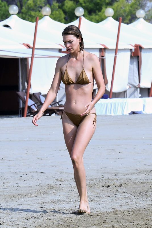 Arizona Muse At the beach during the 77th Venice Film Festival