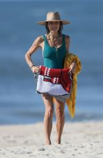 Bethenny Frankel Enjoys a beautiful beach day in The Hamptons