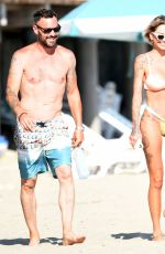 Brian Austin Green & Tina Louise Enjoying a day at the beach in Los Angeles
