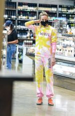 Brie Larson Out shopping in Los Angeles