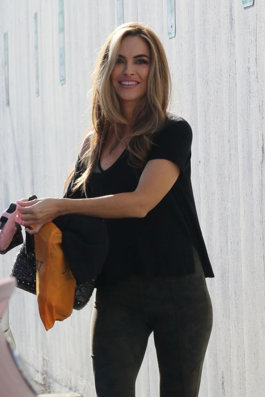 Chrishell Stause All smiles as she heads into dance practice in Los Angeles