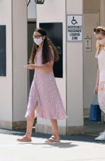 Elle Fanning Shopping with her mom in LA