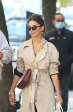 Emily Ratajkowski Steps out to lunch with her husband in New York