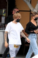 Hailey Bieber (Baldwin) Goes shopping at Beverly Center mall in Los Angeles
