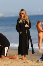 Heidi Klum Enjoys quality time with her whole family on the beach in Malibu