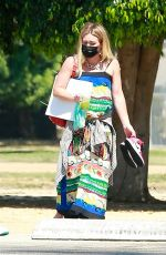 Hilary Duff Picks up son with ex Mike Comrie at a local L.A. park