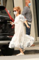 Isla Fisher Steps out to run errands in Los Angeles