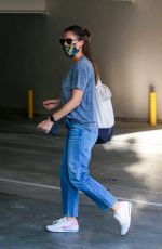 Jennifer Garner Dresses in casual attire carrying a large handbag as she visits a spa in Brentwood