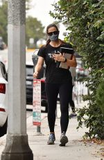 Jennifer Garner Going to a casual business meeting after a workout in Brentwood