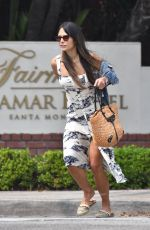 Jordana Brewster Stops by California Pizza Kitchen for take-out lunch with her boys in Santa Monica