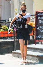 Kaley Cuoco Out for brunch with Briana in NYC