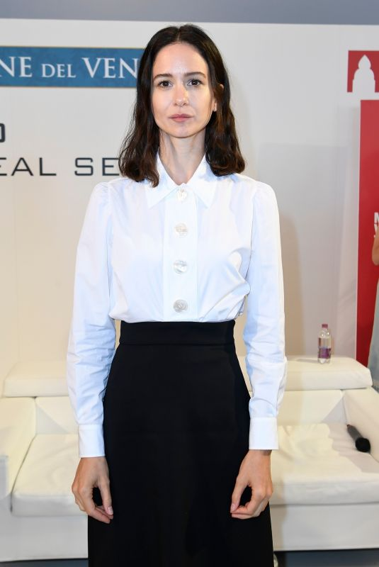 Katherine Waterston Attends the