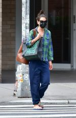 Katie Holmes Grocery shopping in NYC