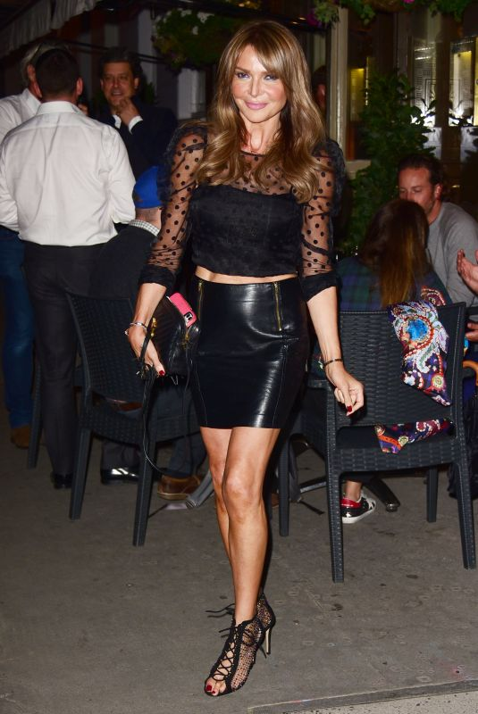 Lizzie Cundy Puts on a leggy display as she heads to La Famiglia in Chelsea
