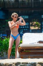 Nicky Whelan and Kate Neilson vacation together in Mexico