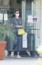 Rebecca Romijn Stops by the dry cleaners in Calabasas