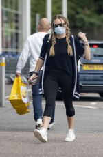 Rita Simons Pictured running errands without her wedding ring - London