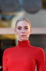 Vanessa Kirby Attends the Pieces of a woman premiere at the 77th Venice Film Festival