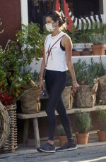 Alessandra Ambrosio Shopping at the Country Mart in Brentwood