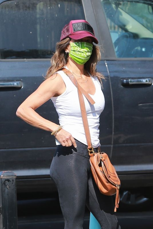Brooke Burke Outside a gym in West Hollywood