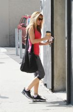 Chrishell Stause At the DWTS studio for one last dance practice before Monday