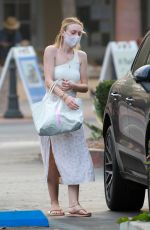 Dakota Fanning Out with friends in Malibu