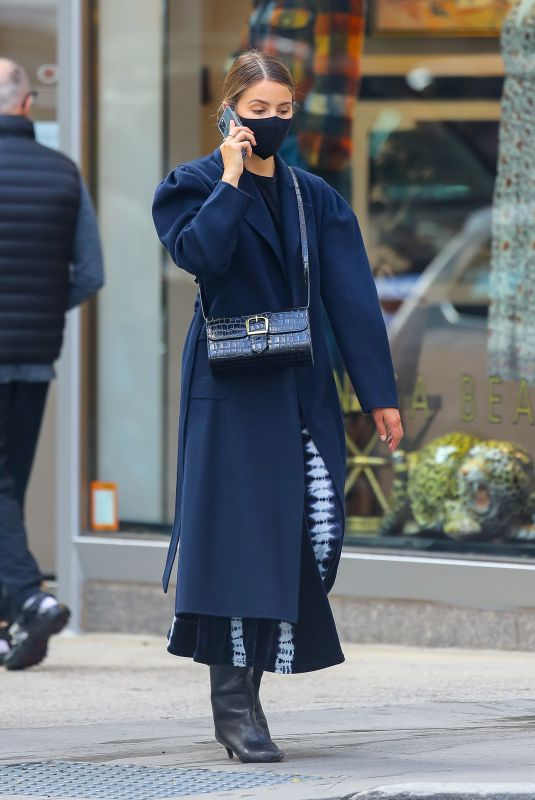 Dianna Agron Chatting on her phone in NYC