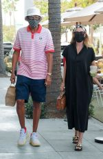 Ellen Pompeo Goes out for lunch with her husband at E Baldi in Beverly Hills
