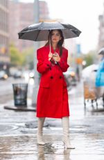 Emily Ratajkowski Heads Out to Lunch on a Rainy Day in New York City