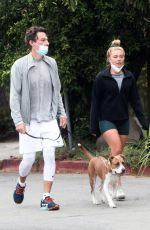 Florence Pugh Оut for a walk in Los Angeles