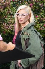 Gwen Stefani Looking fetching on the set of a photoshoot in Calabasas