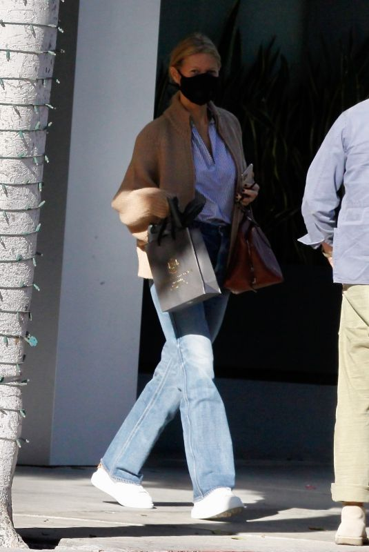 Gwyneth Paltrow Out in Beverly Hills