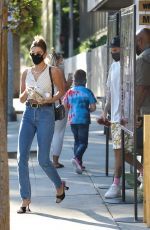 Hailey Bieber & Justin Bieber Go out for a snack at Kreation in Los Angeles